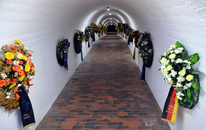 Wreath laid in memory of disappeared German sailors