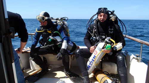 Vincent Gautron and Jean-Louis Maurette are ready to dive
